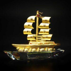 เรือสำเภาใบทอง ฐานใส่นํ้าหอมได้ – FSP002