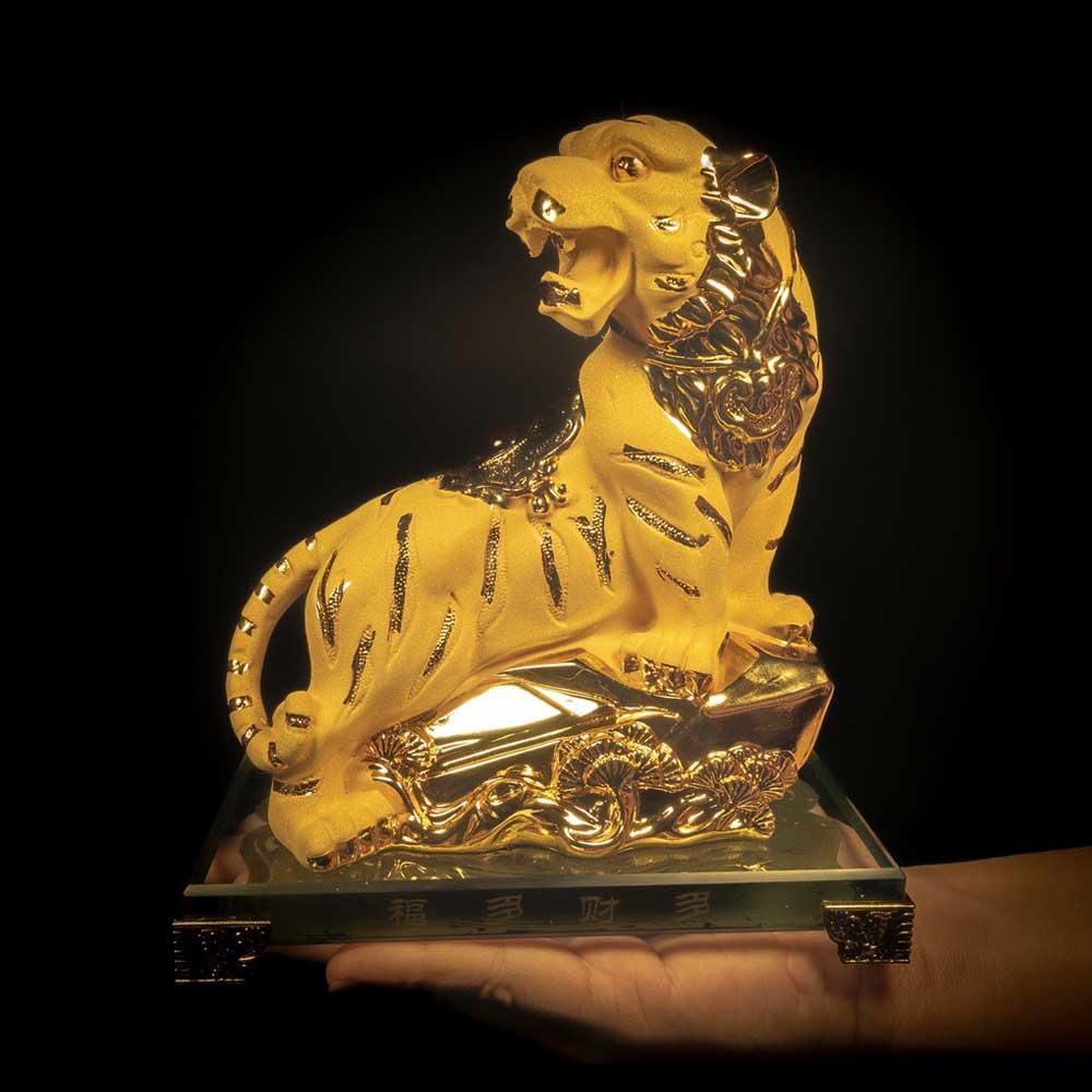เสือทอง