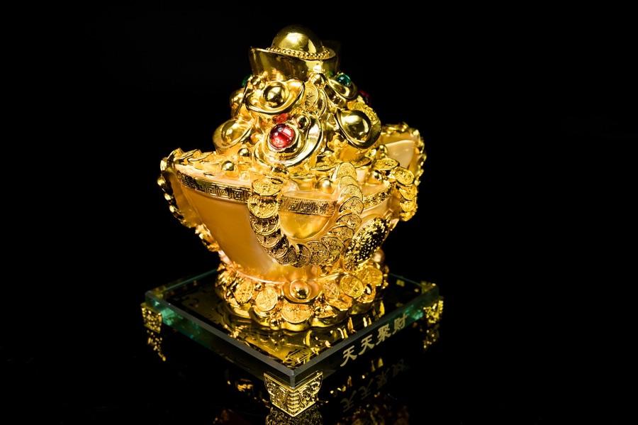 ก้อนเงินก้อนทอง