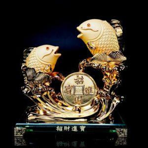 ปลา2ตัวเหรียญ  ขนาด สูง20 ซม กว้าง20 ซม ลึก10 ซม fis004